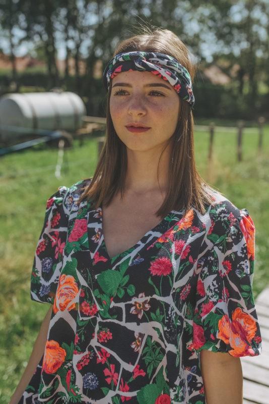 Robe trapèze fleurie et headband assorti